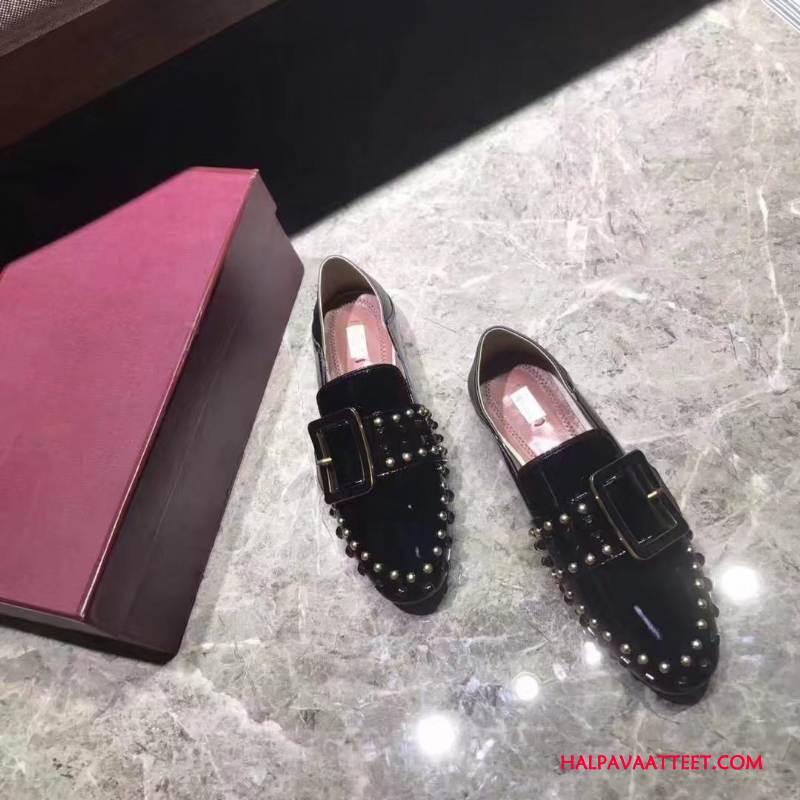 Naisten Mokkasiinit Osta Niitti Kevät Yksinkertainen Kaikki Ottelut Litteät Kengät Musta